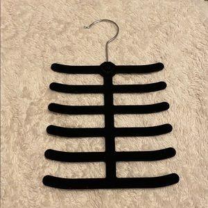 Belt/Scarf hanger